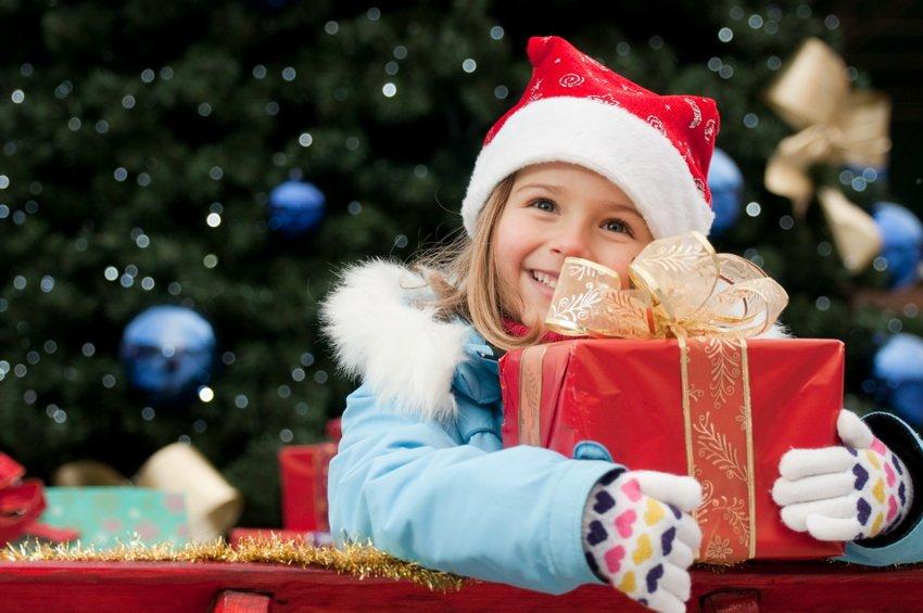 16df21dc485f13 Що можна подарувати дитині на Новий рік 2018 ідеї новорічних подарунків для  дітей.